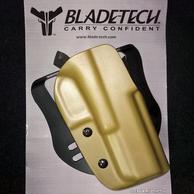Blade-Tech OWB Holster for Glock 17, 22... Barva DARK EARTH